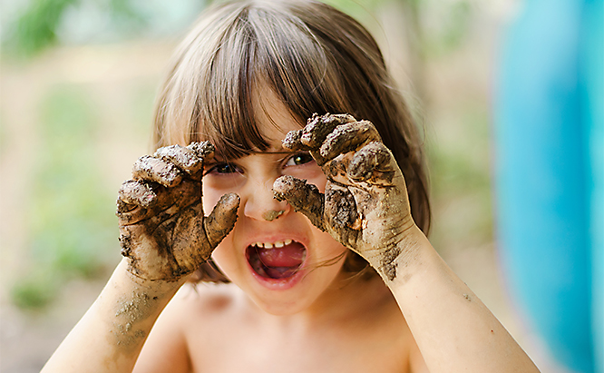 sb_us_kids_muddy_shutterstock_168327698